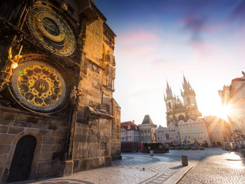Как переехать в Чехию на ПМЖ: порядок эмиграции из России в 2020 году