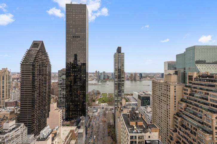 Апартаменты с видом на город на Манхэттене.