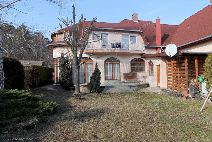 Семейный дом на большом участке в 7 км от озера Балатон