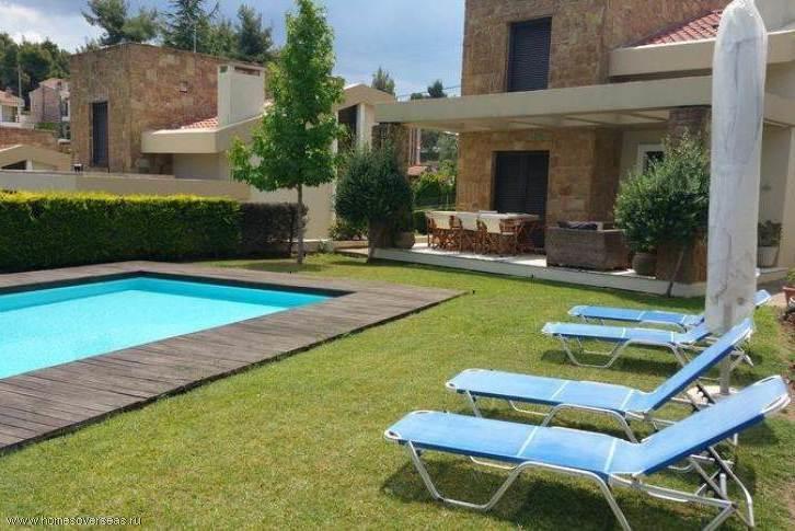 Вилла с частным бассейном на Кассандре.