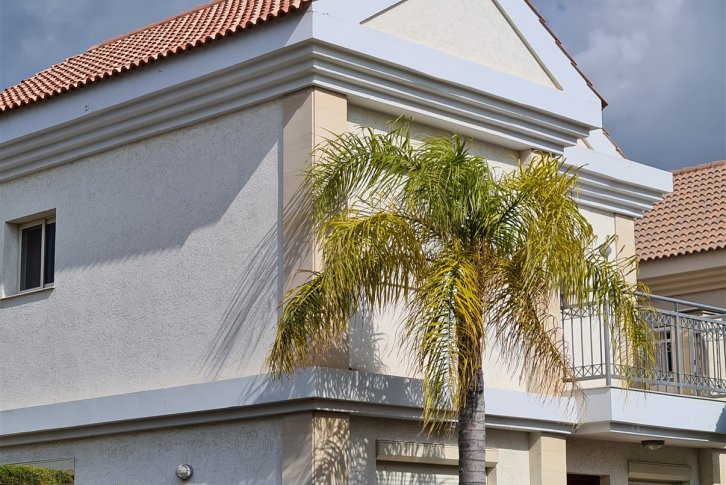 Beautiful 3 bedroom detached villa available for sale in a