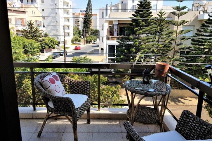 Spacious 3 bedroom apartment in potamos germasogia