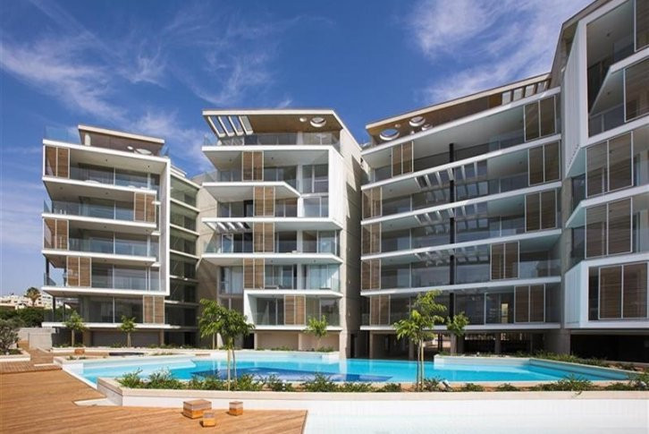 Three bedroom apartment with common swimming pool, sauna and